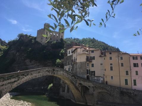 De brug in Dolceacqua