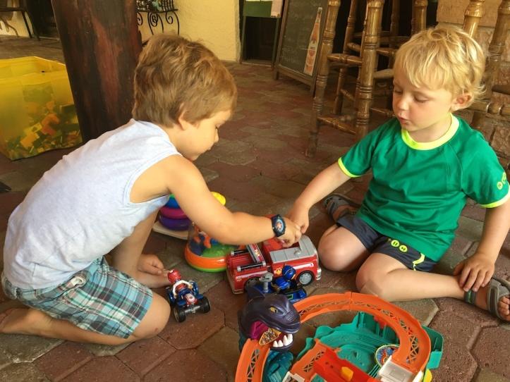 Elena samen spelen